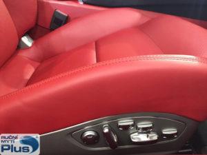 čištění kůže v autě