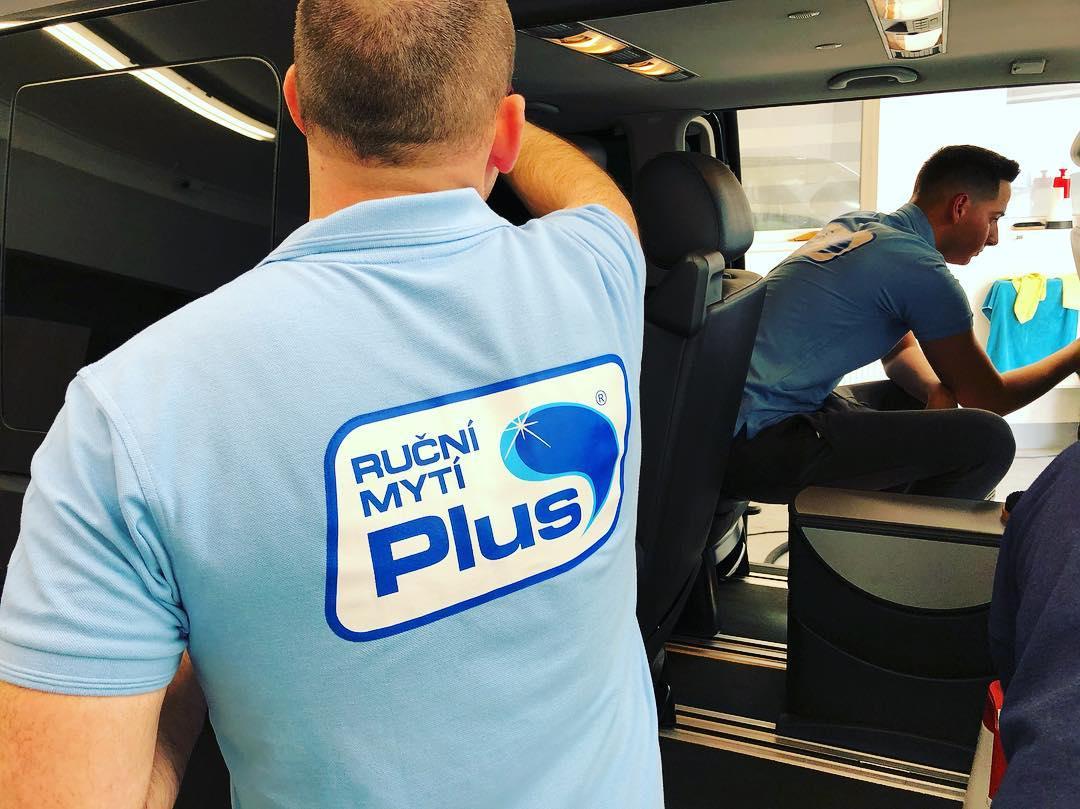 ruční mytí aut práce